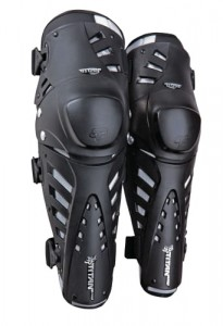 KNEE GUARDS FOX TITAN PRO black